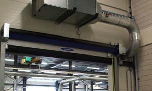 Air curtain in warehouse