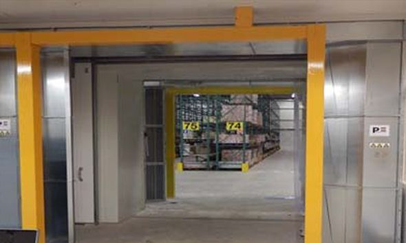 Air door in warehouse